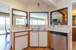 Photo 12: 1123 Munro St in Esquimalt: Es Saxe Point Half Duplex for sale : MLS®# 842474