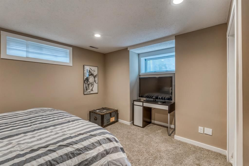 Photo 37: Photos: 47 Douglas Woods Way SE in Calgary: Douglasdale/Glen Detached for sale : MLS®# A1076729