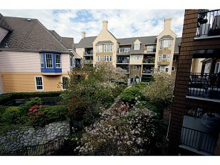 """Photo 9: 303 1369 56TH Street in Tsawwassen: Cliff Drive Condo for sale in """"WINDSOR WOODS"""" : MLS®# V1058520"""