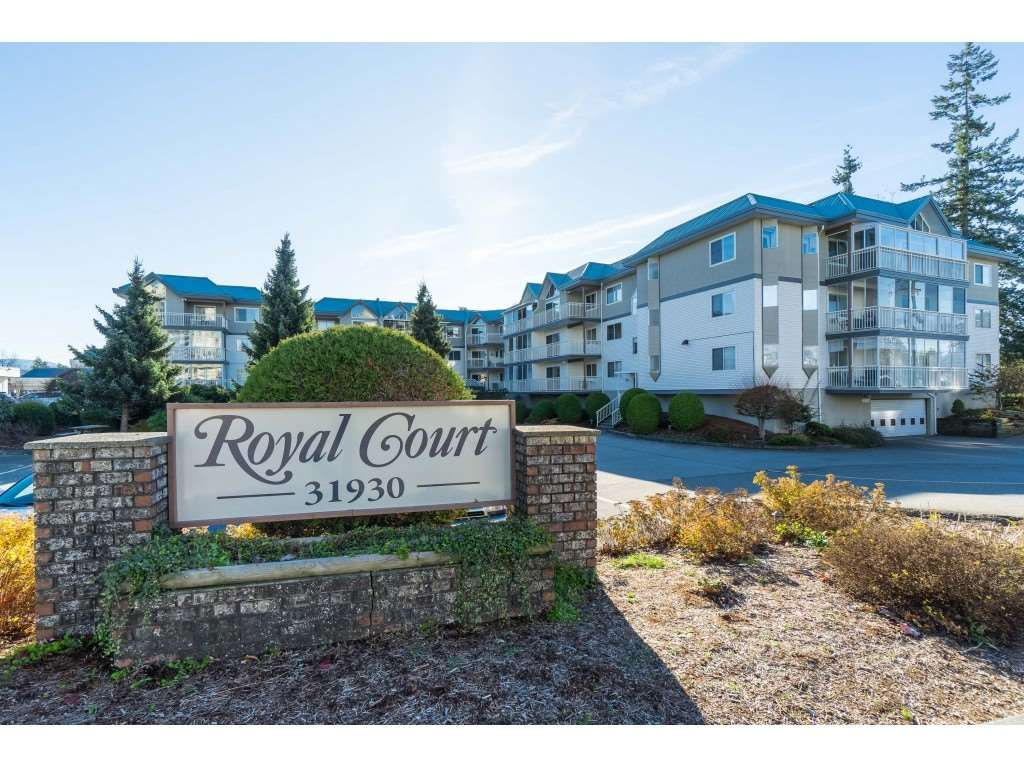 "Main Photo: 215 31930 OLD YALE Road in Abbotsford: Abbotsford West Condo for sale in ""ROYAL COURT"" : MLS®# R2421302"