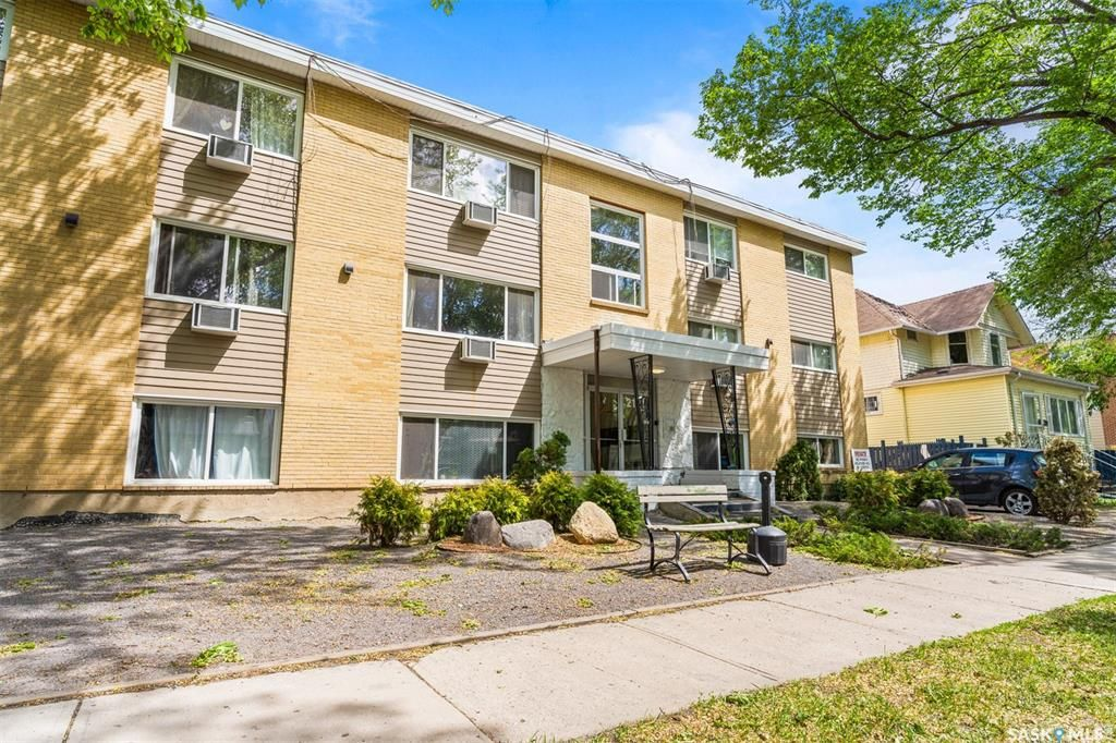 Main Photo: 10 2121 RAE Street in Regina: Cathedral RG Residential for sale : MLS®# SK866363