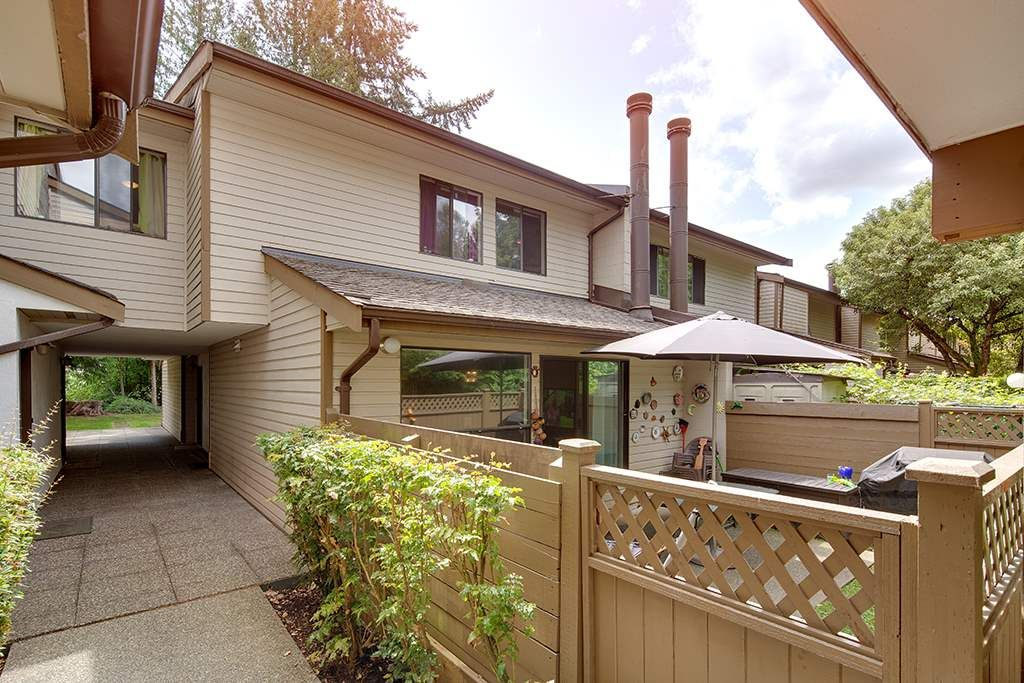 Main Photo: 6 9151 FOREST GROVE DRIVE in Burnaby: Forest Hills BN Townhouse for sale (Burnaby North)  : MLS®# R2426367
