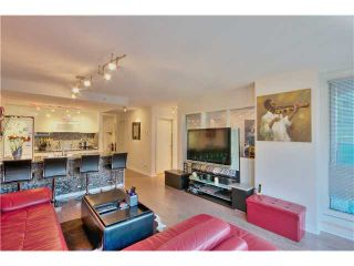 Photo 3: 905 788 HAMILTON Street in Vancouver: Downtown VW Condo for sale (Vancouver West)  : MLS®# V1053998