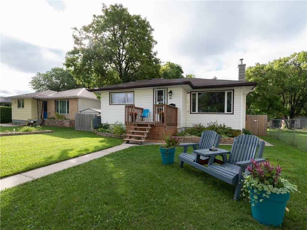 Main Photo: 10 Dunraven Avenue in Winnipeg: St Vital Residential for sale (2D)  : MLS®# 202121336