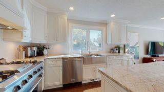 Photo 10: 144 QUESNELL Crescent in Edmonton: Zone 22 House for sale : MLS®# E4265039