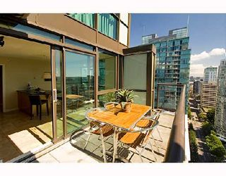 """Photo 8: 3202 1331 ALBERNI Street in Vancouver: West End VW Condo for sale in """"THE LIONS"""" (Vancouver West)  : MLS®# V660192"""