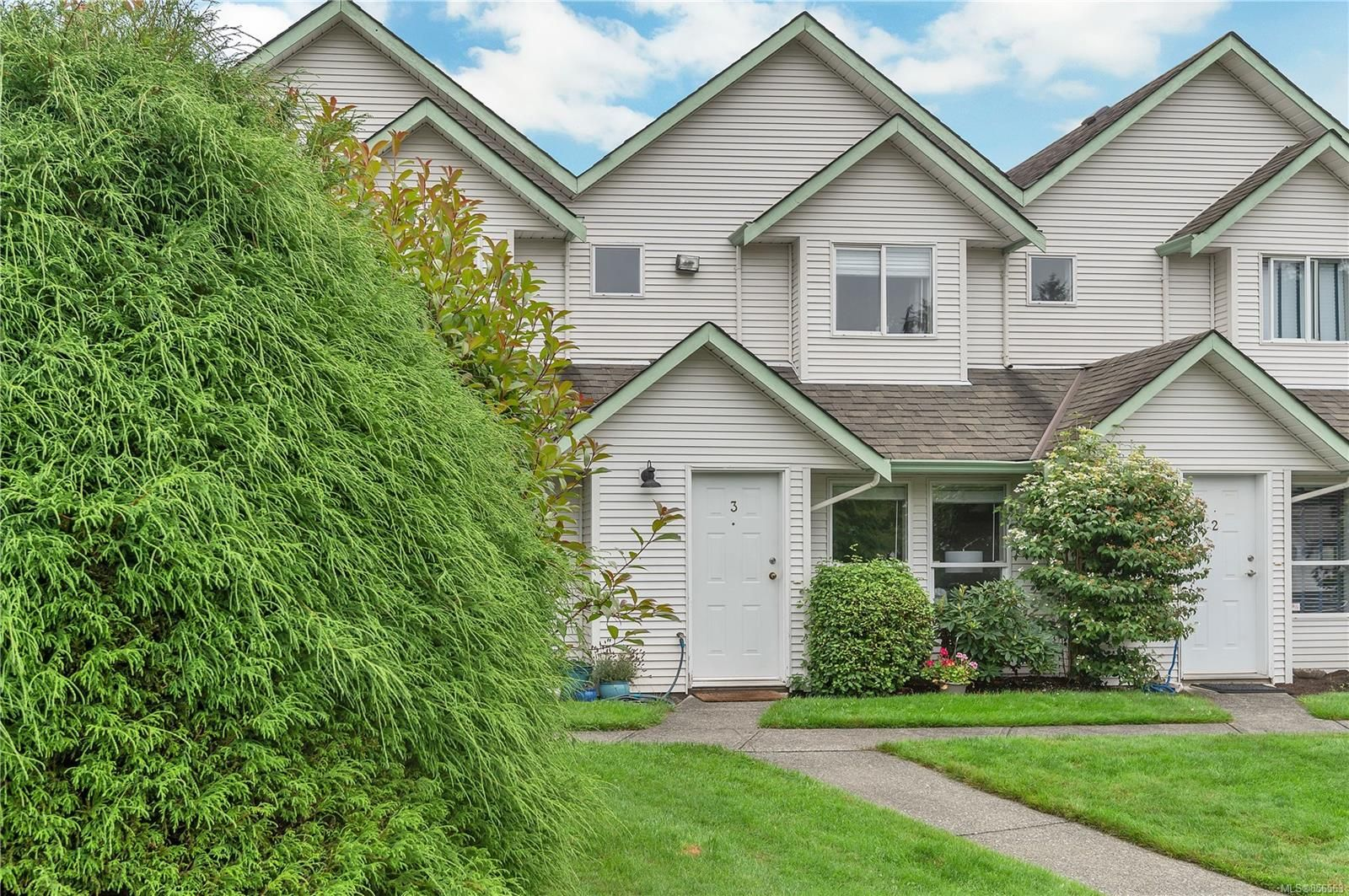 Main Photo: 3 1315 Creekside Way in Campbell River: CR Willow Point Row/Townhouse for sale : MLS®# 856563
