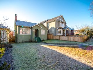 Photo 2: 1930 E 8TH Avenue in Vancouver: Grandview VE House for sale (Vancouver East)  : MLS®# R2018099