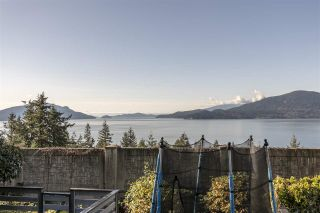 """Photo 8: 428 CROSSCREEK Road: Lions Bay Townhouse for sale in """"Lions Bay"""" (West Vancouver)  : MLS®# R2498583"""
