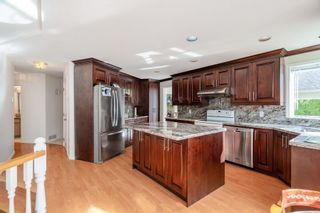 Photo 6: 1378 CAMBRIDGE Drive in Coquitlam: Central Coquitlam House for sale : MLS®# R2564045