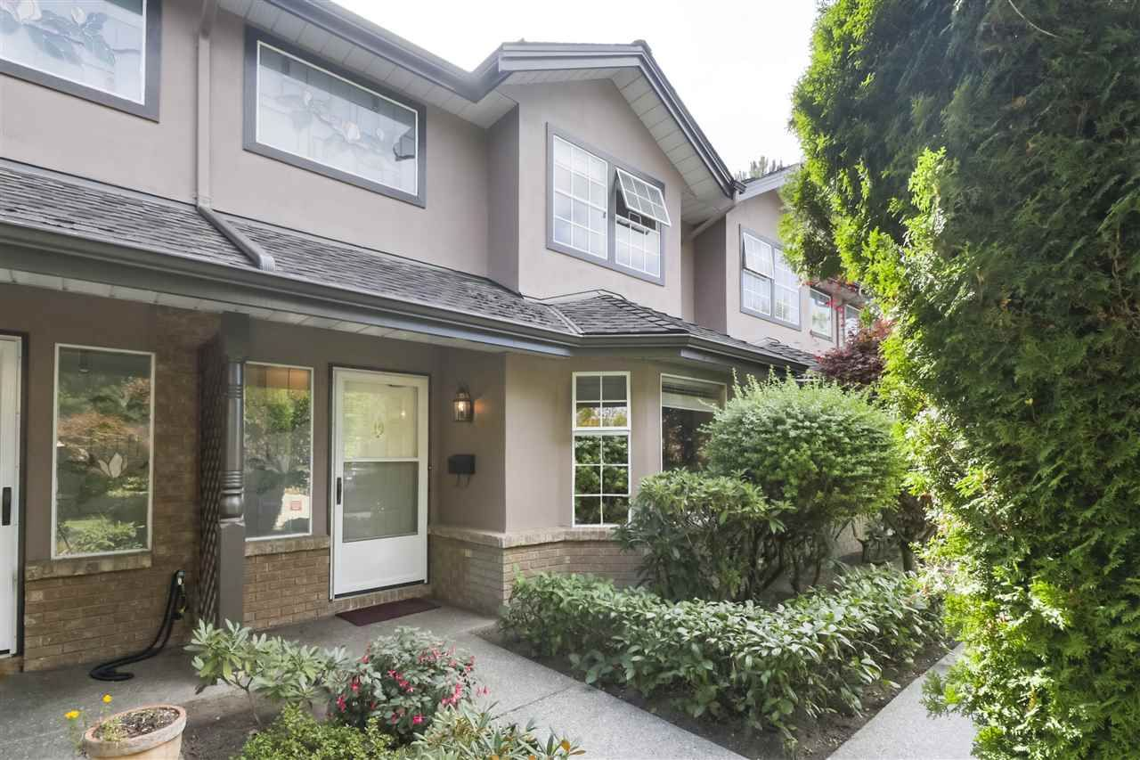 """Photo 2: Photos: 10 11500 NO. 1 Road in Richmond: Steveston South Townhouse for sale in """"MAGNOLIA COURT"""" : MLS®# R2493915"""