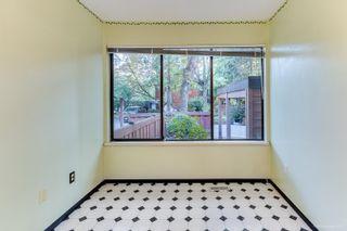 "Photo 7: 4849 FERNGLEN Drive in Burnaby: Greentree Village Townhouse for sale in ""GREENTREE VILLAGE"" (Burnaby South)  : MLS®# R2612306"