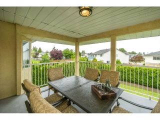 Photo 2: 8078 157 Street in Surrey: Fleetwood Tynehead House for sale : MLS®# R2073891