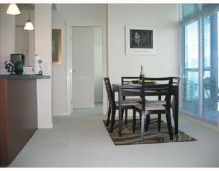 Photo 4: # 3002 1189 MELVILLE ST in Vancouver: Condo for sale : MLS®# V780336