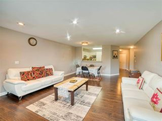 """Photo 4: 401 13680 84 Avenue in Surrey: Bear Creek Green Timbers Condo for sale in """"Trails at BearCreek"""" : MLS®# R2503908"""