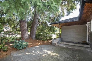 Photo 2: 555 LUCERNE Place in North Vancouver: Upper Delbrook House for sale : MLS®# R2599437