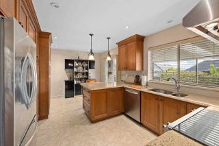 Photo 7: 818 DELESTRE Avenue in Coquitlam: Coquitlam West House for sale : MLS®# R2584831