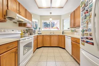 Photo 5: 861 PORTEAU Place in North Vancouver: Roche Point House for sale : MLS®# R2590944