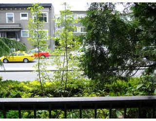 "Photo 10: 204 2777 OAK Street in Vancouver: Fairview VW Condo for sale in ""TWELVE OAKS"" (Vancouver West)  : MLS®# V710371"