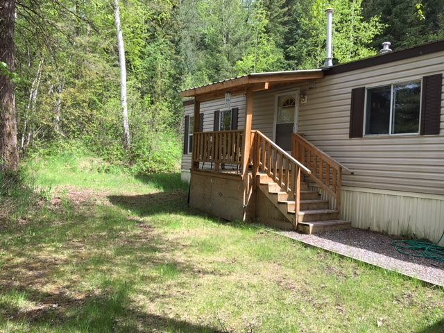 "Photo 18: Photos: 30 3656 HILBORN Road in Quesnel: Quesnel - Rural North Manufactured Home for sale in ""PARK VILLAGE TRAILER PARK"" (Quesnel (Zone 28))  : MLS®# R2437921"
