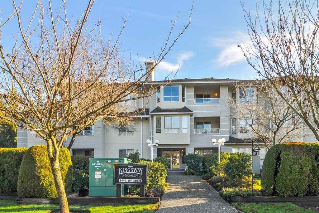 """Main Photo: 302 6440 197 Street in Langley: Willoughby Heights Condo for sale in """"THE KINGSWAY"""" : MLS®# R2420735"""