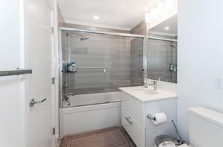 """Photo 13: 404 733 W 3RD Street in North Vancouver: Harbourside Condo for sale in """"The Shore"""" : MLS®# R2603581"""