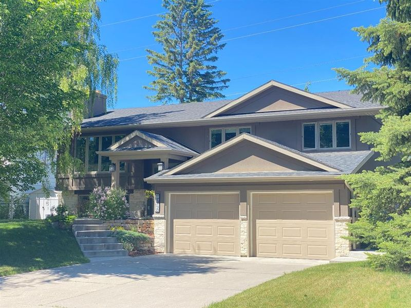 FEATURED LISTING: 6742 Leaside Drive Southwest Calgary