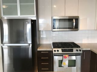 """Photo 5: 2605 2289 YUKON Crescent in Burnaby: Brentwood Park Condo for sale in """"Water colour"""" (Burnaby North)  : MLS®# R2511997"""