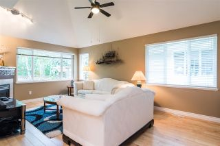 "Photo 8: 17 13918 58 Avenue in Surrey: Panorama Ridge Townhouse for sale in ""Alder Park"" : MLS®# R2393789"
