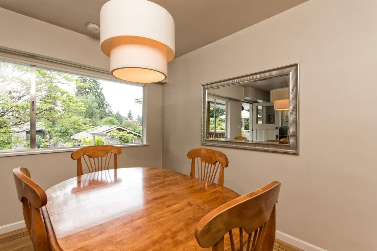 """Photo 14: Photos: 915 E 13TH Street in North Vancouver: Boulevard House for sale in """"Grand Boulevard"""" : MLS®# R2535688"""