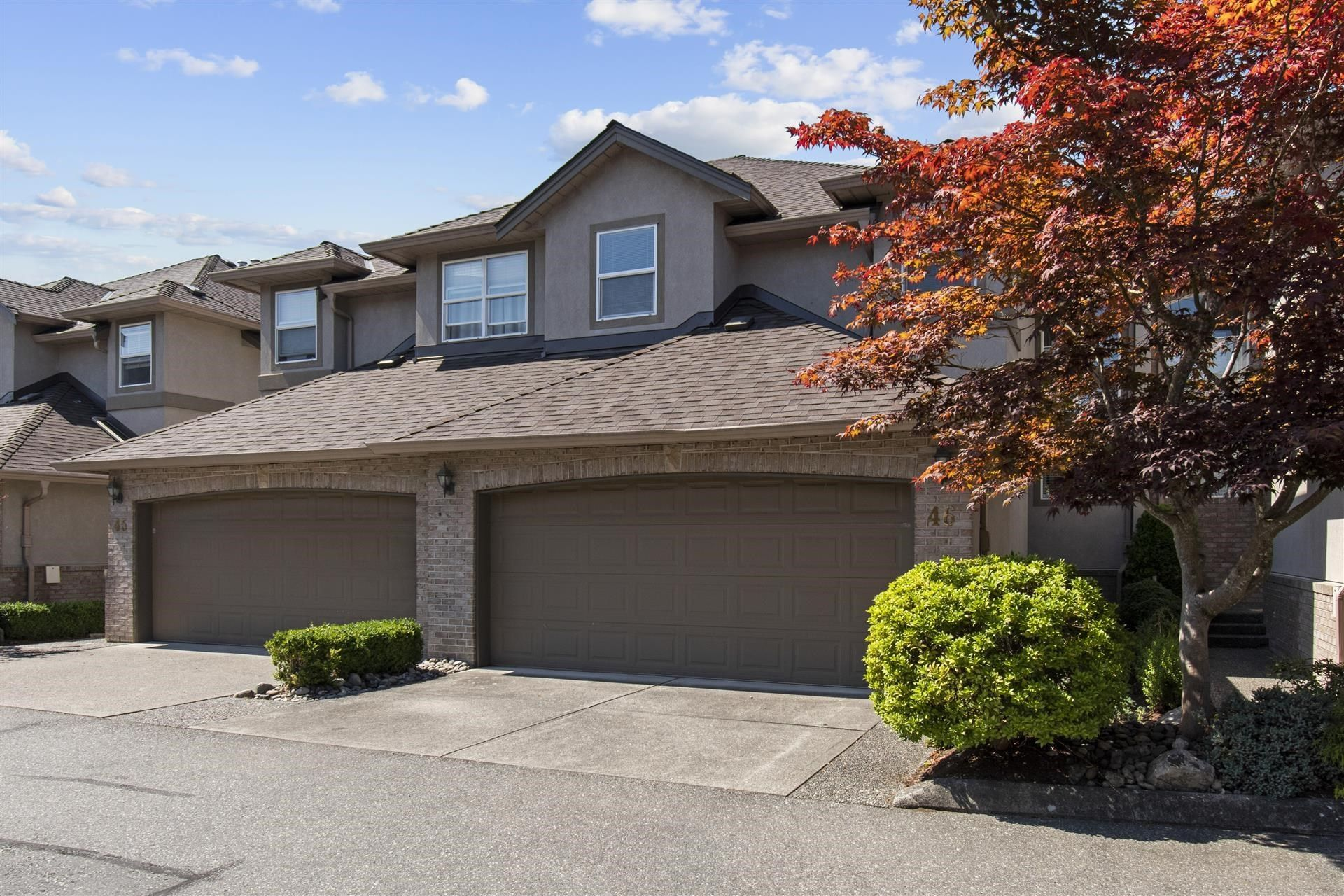 """Main Photo: 46 2525 YALE COURT Court in Abbotsford: Abbotsford East Townhouse for sale in """"YALE COURT"""" : MLS®# R2609600"""