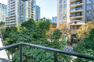 """Photo 11: 307 988 RICHARDS Street in Vancouver: Yaletown Condo for sale in """"TRIBECA"""" (Vancouver West)  : MLS®# R2202048"""