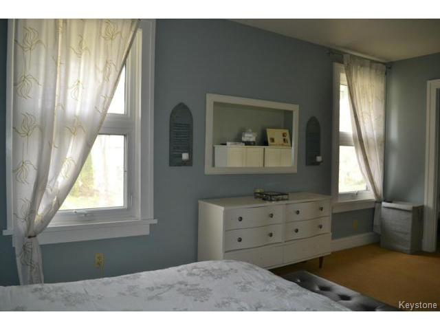 Photo 10: Photos: 260 Montrose Street in WINNIPEG: River Heights / Tuxedo / Linden Woods Residential for sale (South Winnipeg)  : MLS®# 1426549