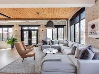 Photo 2: 104 1 Columbus Avenue in Toronto: Roncesvalles Condo for sale (Toronto W01)  : MLS®# W4112126