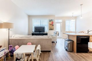Photo 5: 103 Everridge Gardens SW in Calgary: Evergreen Row/Townhouse for sale : MLS®# A1061680