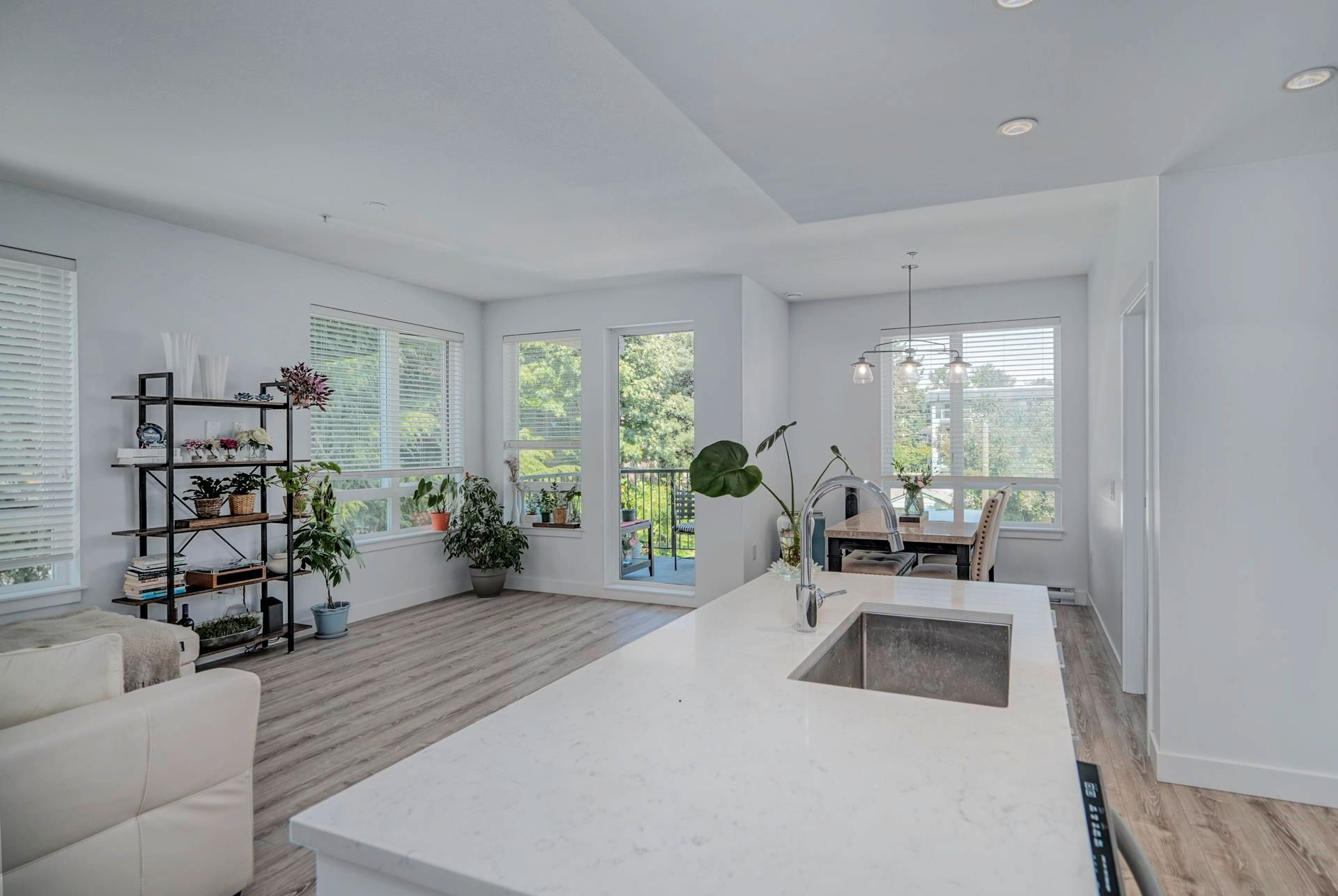"""Main Photo: 313 2382 ATKINS Avenue in Port Coquitlam: Central Pt Coquitlam Condo for sale in """"Parc East"""" : MLS®# R2604837"""