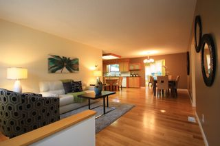 Photo 2: 512 Cote Avenue in St Pierre-Jolys: R17 Residential for sale : MLS®# 1924763