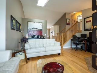 Photo 4: 101 Appleside Close SE in Calgary: Applewood Park Detached for sale : MLS®# A1128476