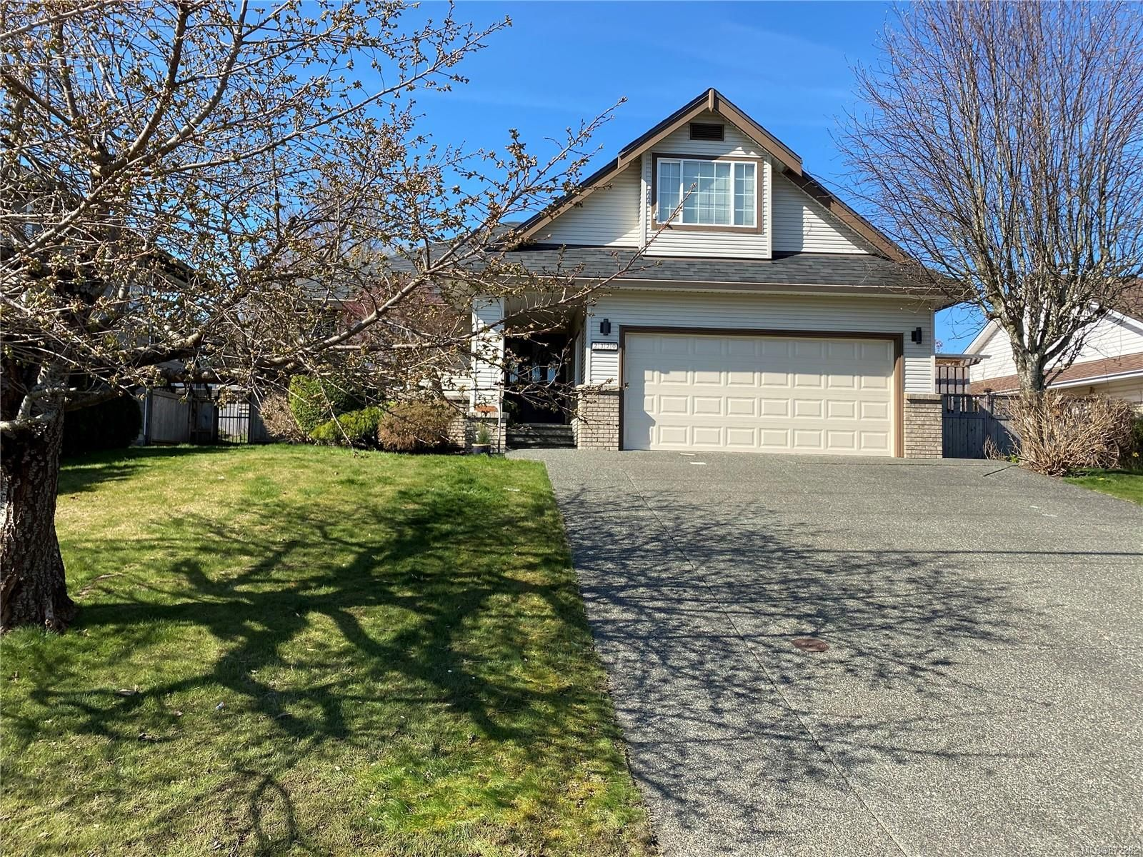 Main Photo: 2320 Galerno Rd in : CR Willow Point House for sale (Campbell River)  : MLS®# 872282
