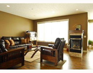 Photo 4: 60 EVERGREEN Row SW in CALGARY: Shawnee Slps Evergreen Est Residential Detached Single Family for sale (Calgary)  : MLS®# C3378995