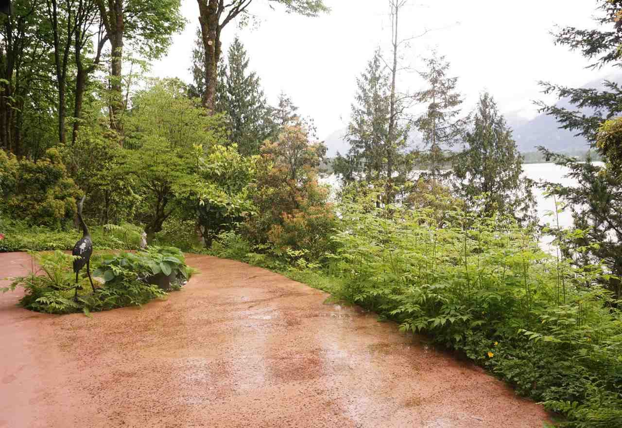 """Photo 16: Photos: 42831 OLD ORCHARD Road in Chilliwack: Chilliwack Mountain House for sale in """"CHILLIWACK MOUNTAIN"""" : MLS®# R2202760"""