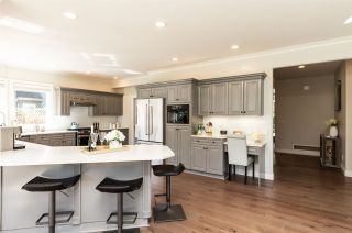 Photo 12: 2348 CHANTRELL PARK Drive in Surrey: Elgin Chantrell House for sale (South Surrey White Rock)  : MLS®# R2567795