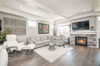 Photo 9: 15498 RUSSELL Avenue: White Rock House for sale (South Surrey White Rock)  : MLS®# R2568948
