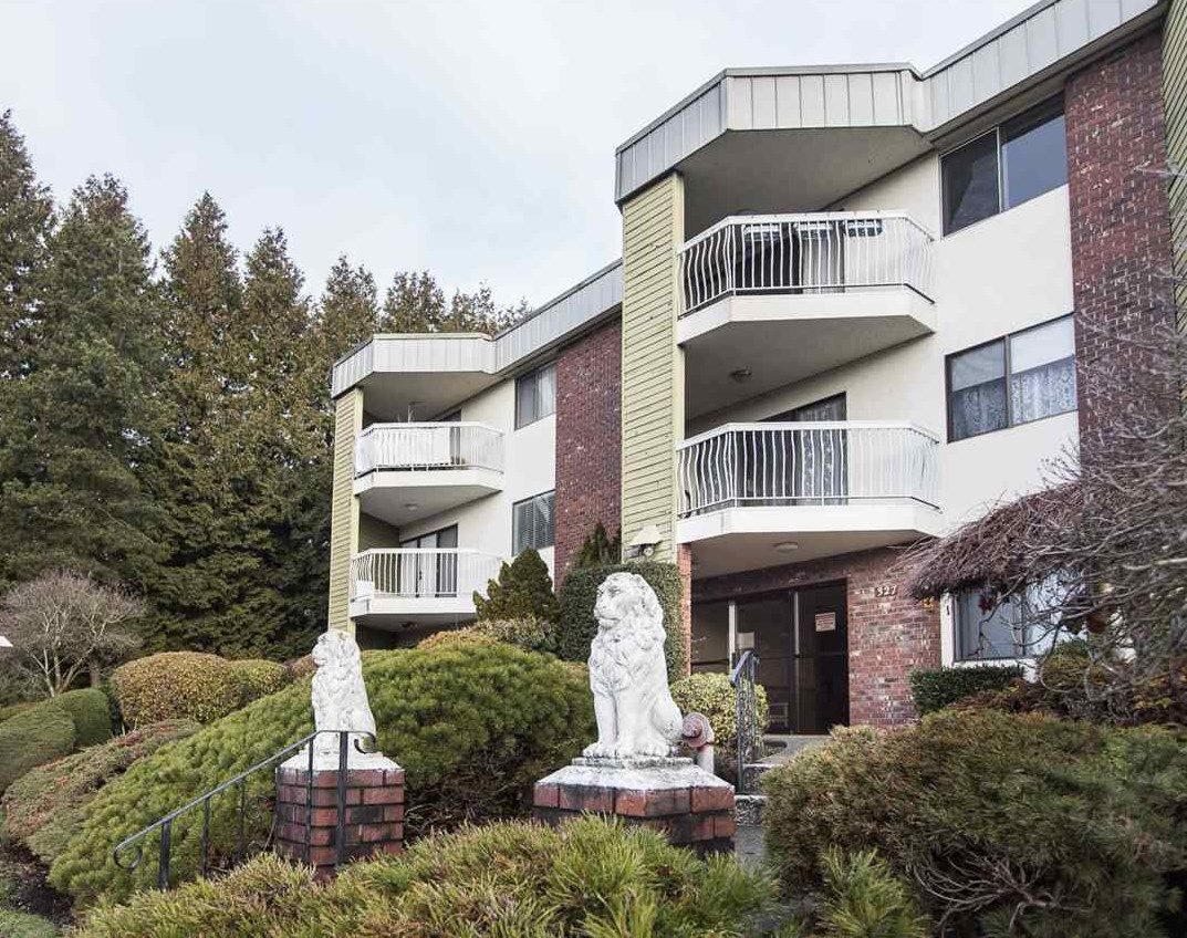 Main Photo: 305 327 NINTH STREET in : Uptown NW Condo for sale : MLS®# R2133111