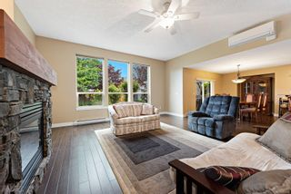 Photo 2: 2102 Robert Lang Dr in : CV Courtenay City House for sale (Comox Valley)  : MLS®# 877668