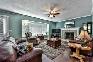 Photo 2: 5885 184A Street in Surrey: Cloverdale BC House for sale (Cloverdale)  : MLS®# R2099914