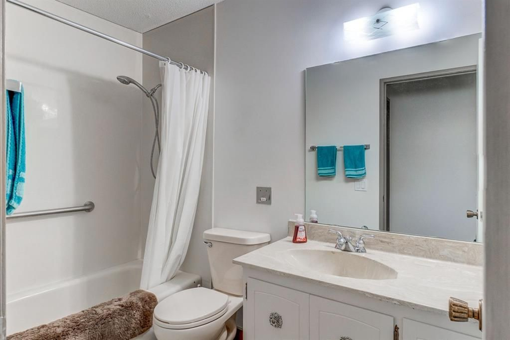 Photo 17: Photos: 499 Canterbury Drive SW in Calgary: Canyon Meadows Detached for sale : MLS®# A1107365