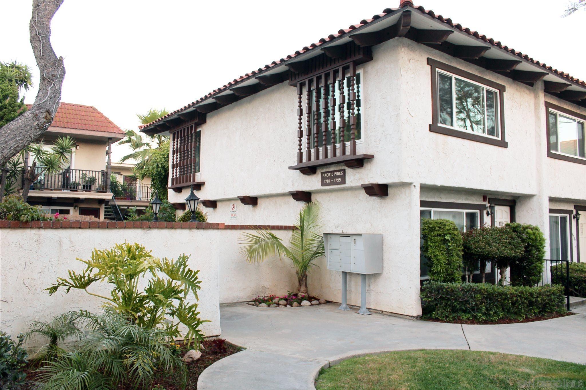 Main Photo: PACIFIC BEACH Condo for sale : 2 bedrooms : 1789 Missouri in San Diego