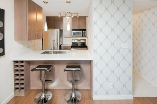 """Photo 8: 310 977 MAINLAND Street in Vancouver: Yaletown Condo for sale in """"YALETOWN PARK III by Wall Financial"""" (Vancouver West)  : MLS®# R2241322"""