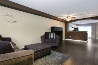 """Photo 3: 146 6747 203 Street in Langley: Willoughby Heights Townhouse for sale in """"Sagebrook"""" : MLS®# R2112675"""